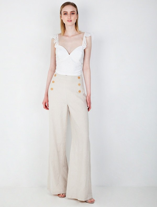 The it item for summer look in the town...pants!