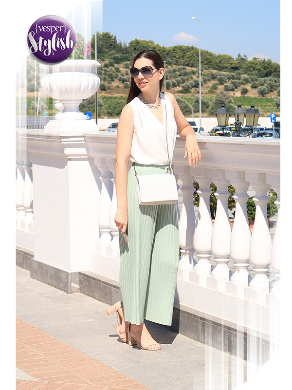 Vesper Stylish - Autumn Pale outfit of the day - Terry Paganopoulou
